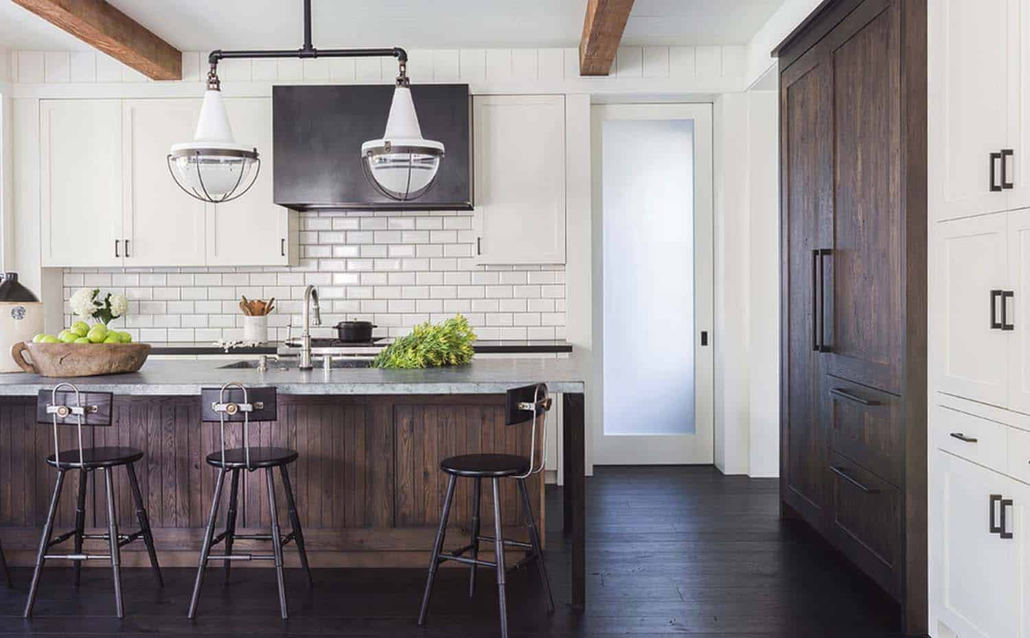 Modern farmhouse style with timeless interiors in northern for Modern farmhouse style