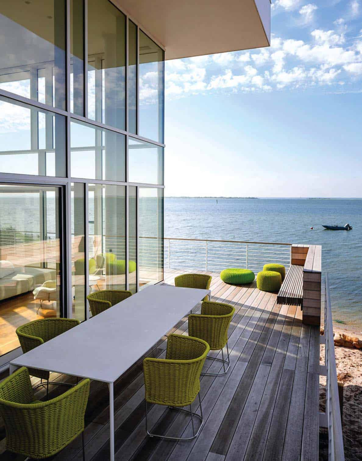 Amazing-Beach-Style-Deck-Ideas-020-1-Kindesign