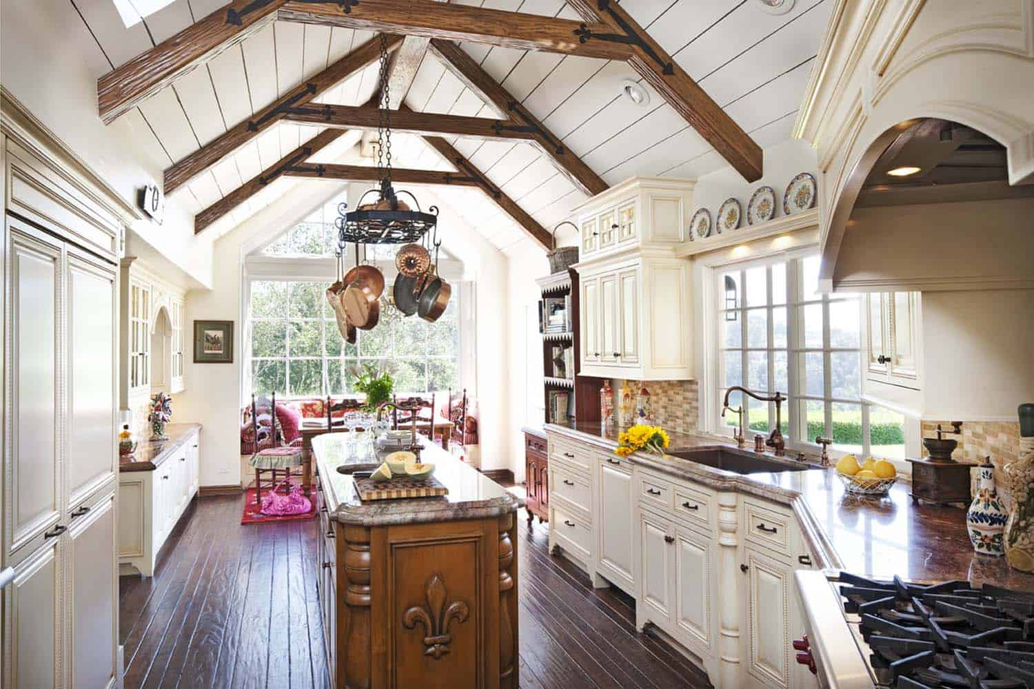 Amazing Country Chic Kitchens-17-1 Kindesign