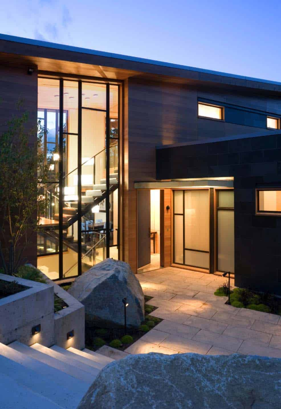 Contemporary Lake Home-01-1 Kindesign