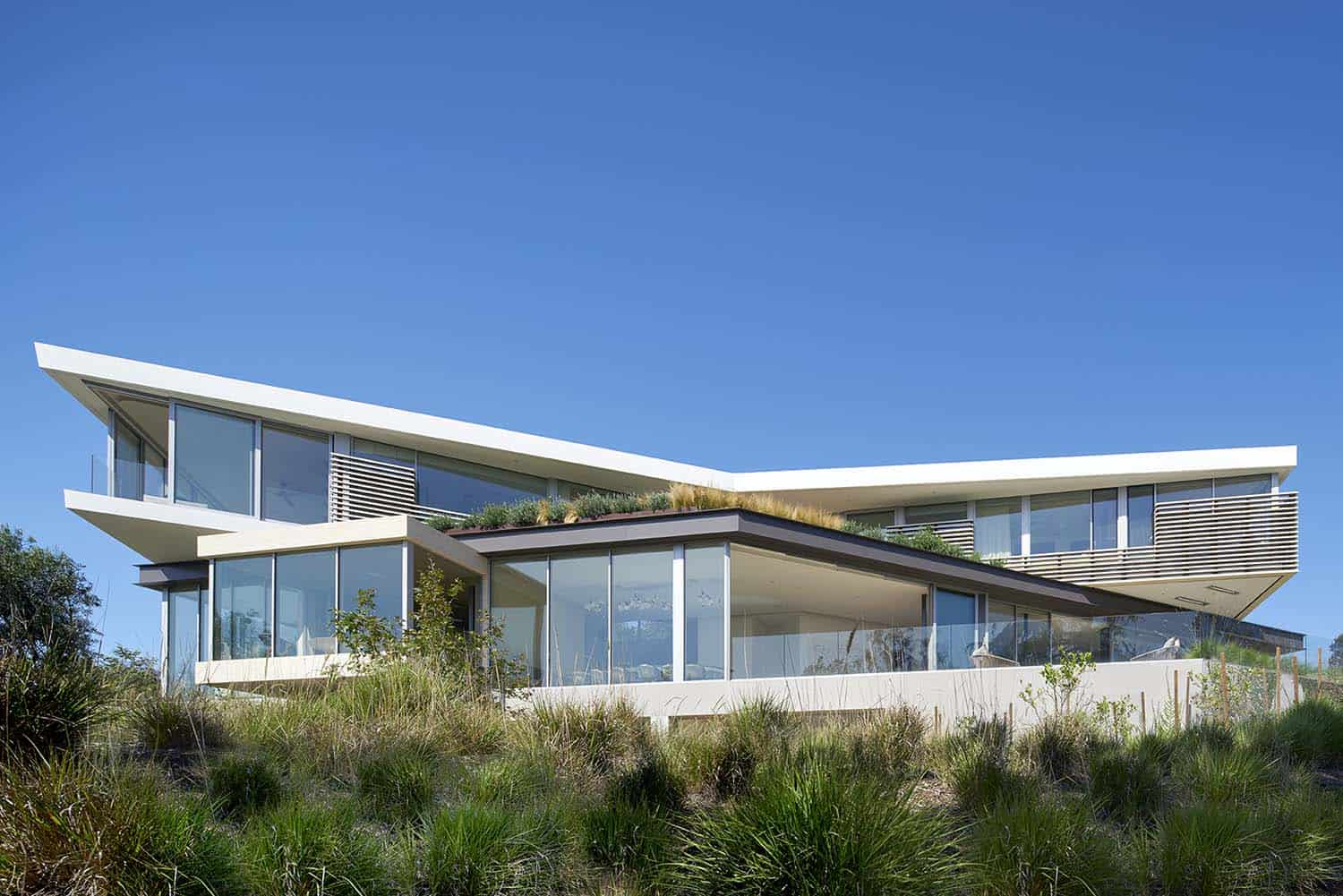 Contemporary Treetop Residence-Belzberg Architects-01-1 Kindesign