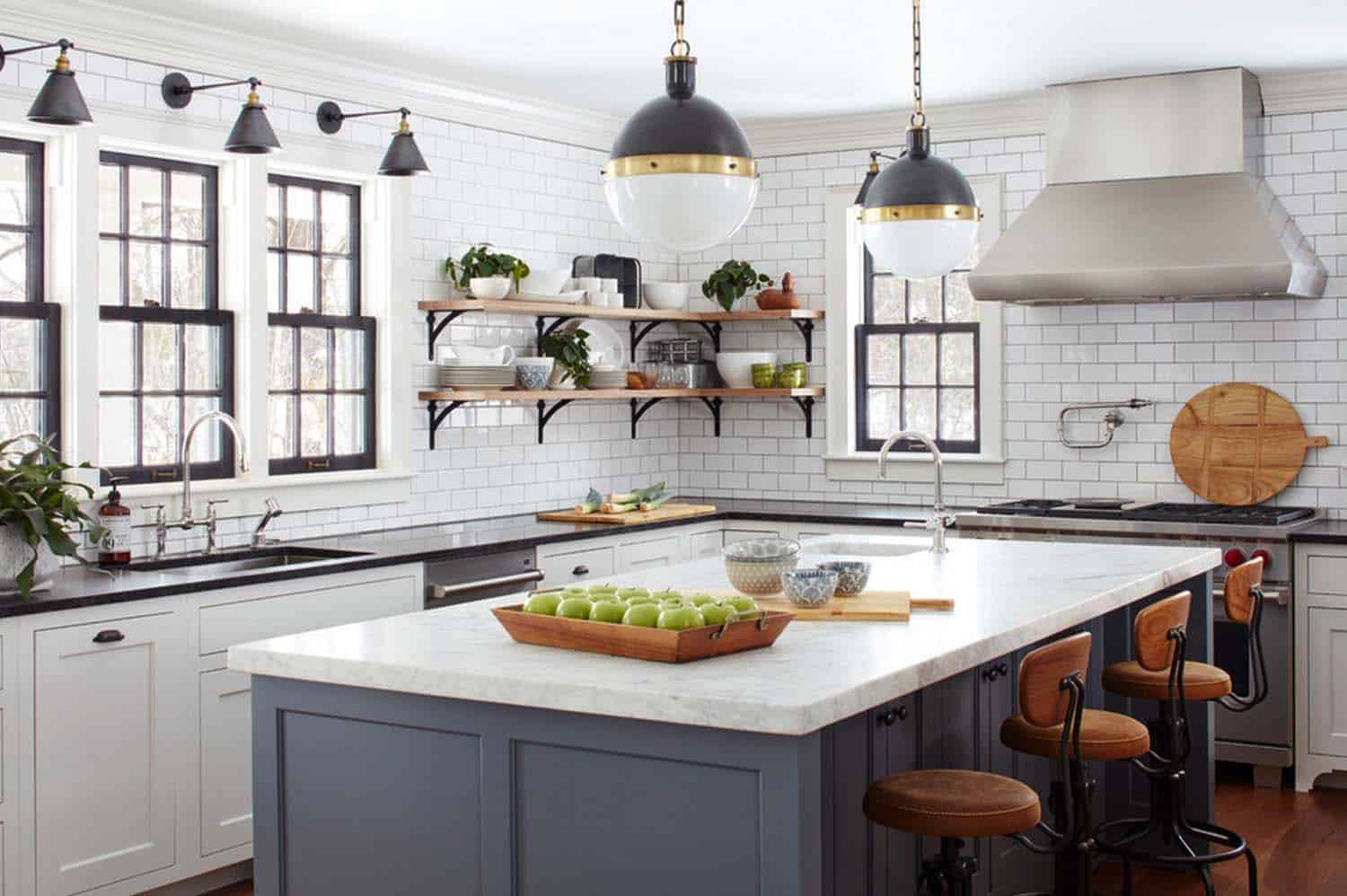 Farmhouse Style Home- Kristina Crestin Design-04-1 Kindesign