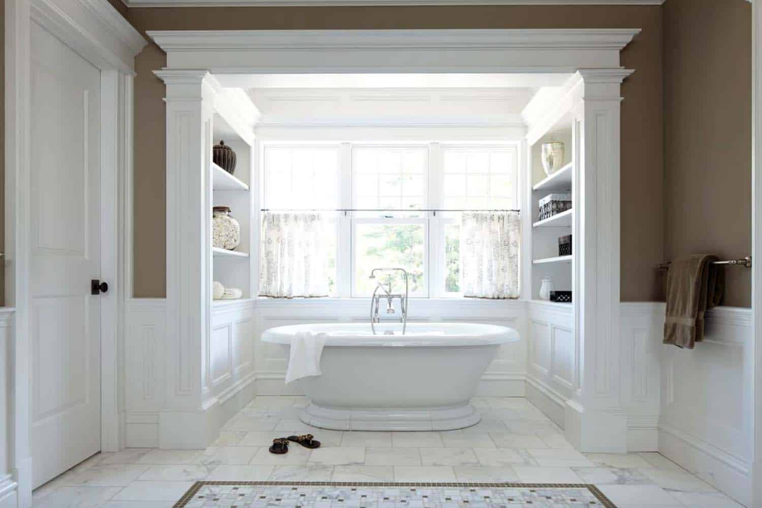 35+ Fabulous freestanding bathtub ideas for a luxurious soak