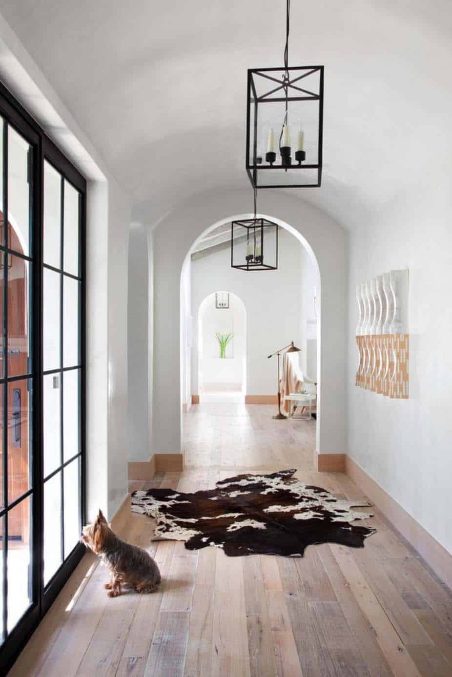 Mediterranean Style Home-Ryan Street Associates-02-1 Kindesign