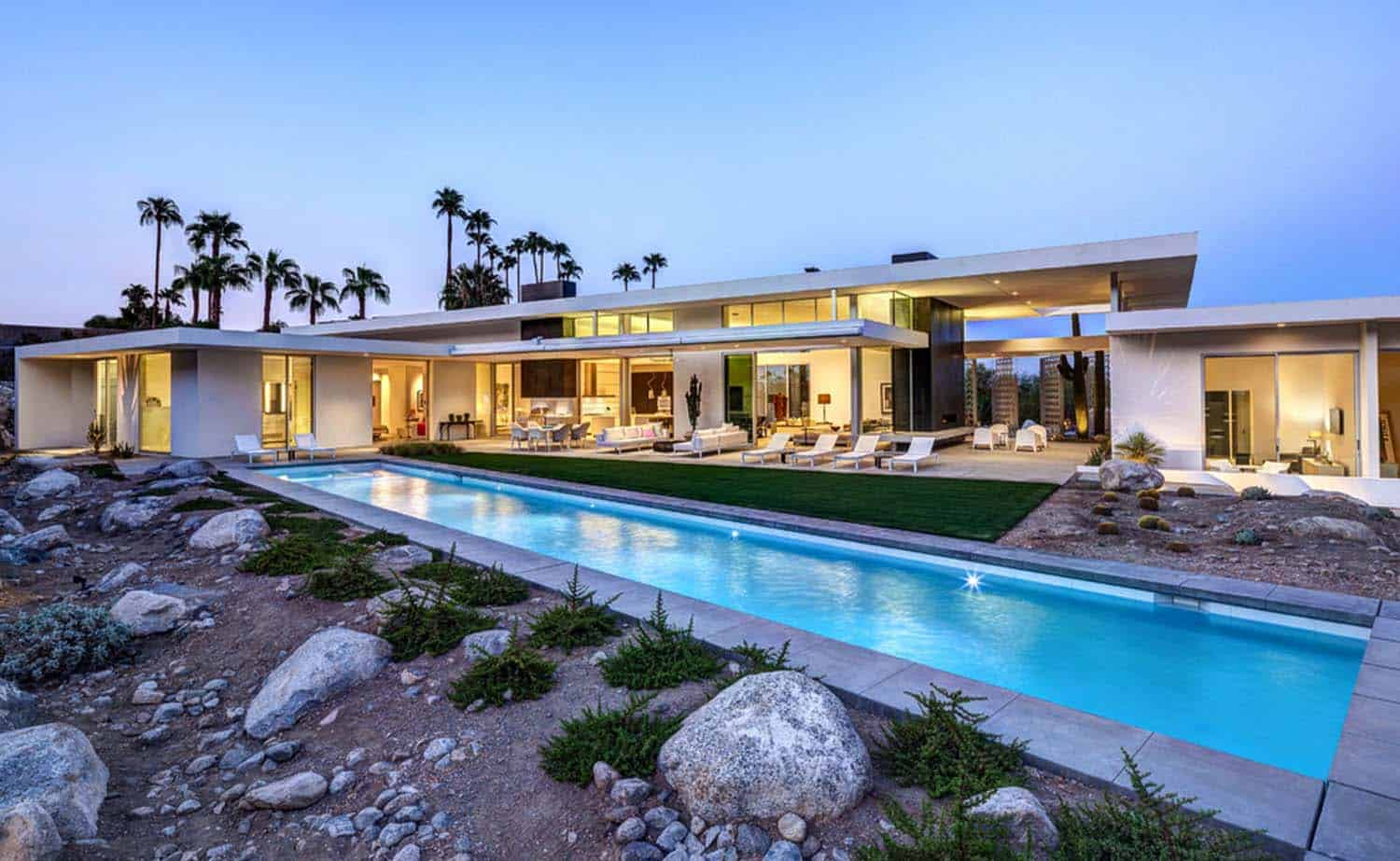 Visionary mid-century modern home piercing the Palm ...