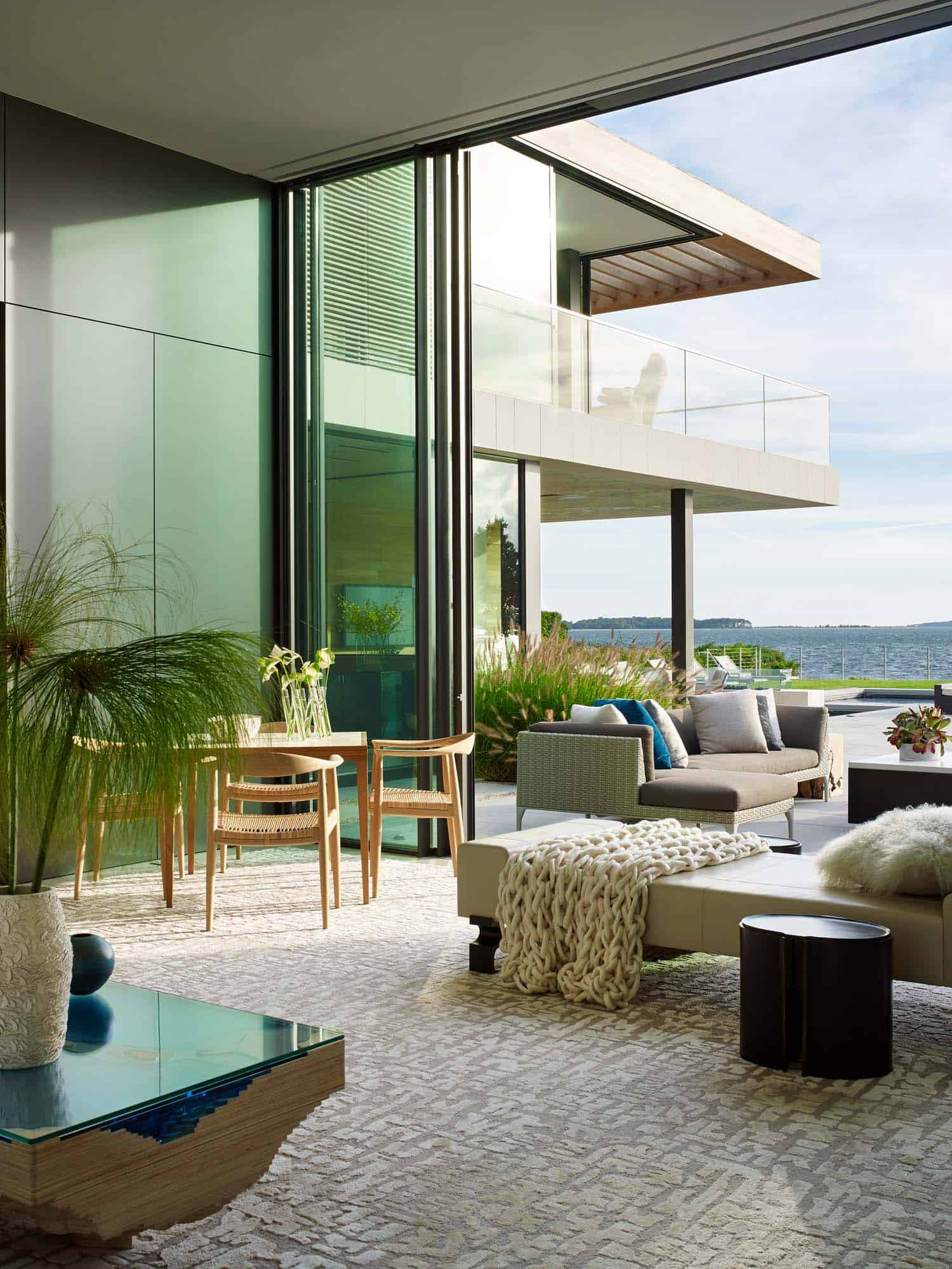 Modern Waterfront Property-Blaze Makoid Architecture-08-1 Kindesign