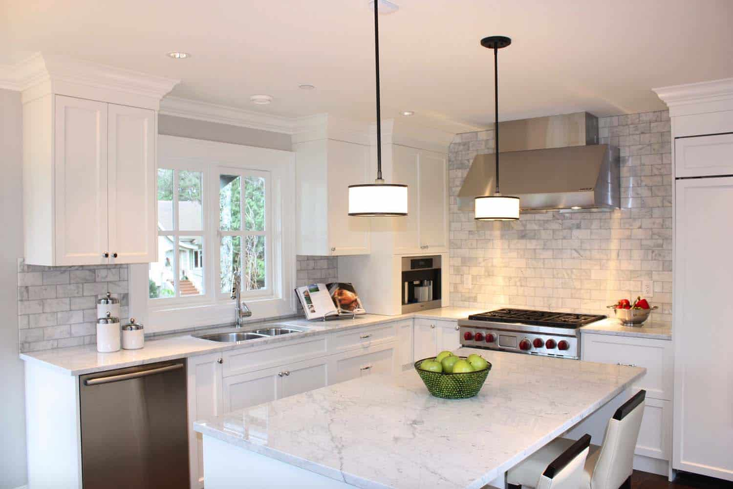 Traditional Kitchen Carrara Marble Backsplash