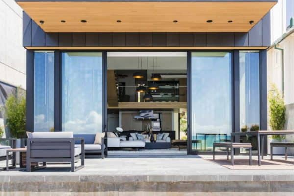 featured posts image for Sleek and stylish beach shelter in a California seaside village