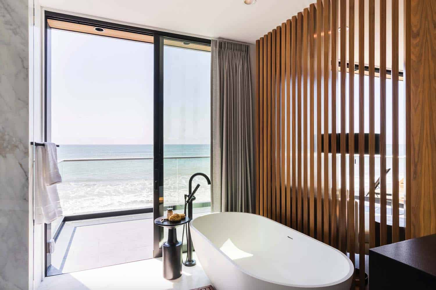 Contemporary Beach House-Brandon Architects-21-1 Kindesign