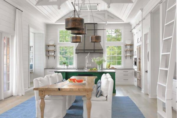 featured posts image for Absolutely dreamy Cape Cod inspired lake house on Lake Ozark