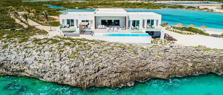 Luxury Vacation Rental Villa-Turks-Caicos-02-1 Kindesign