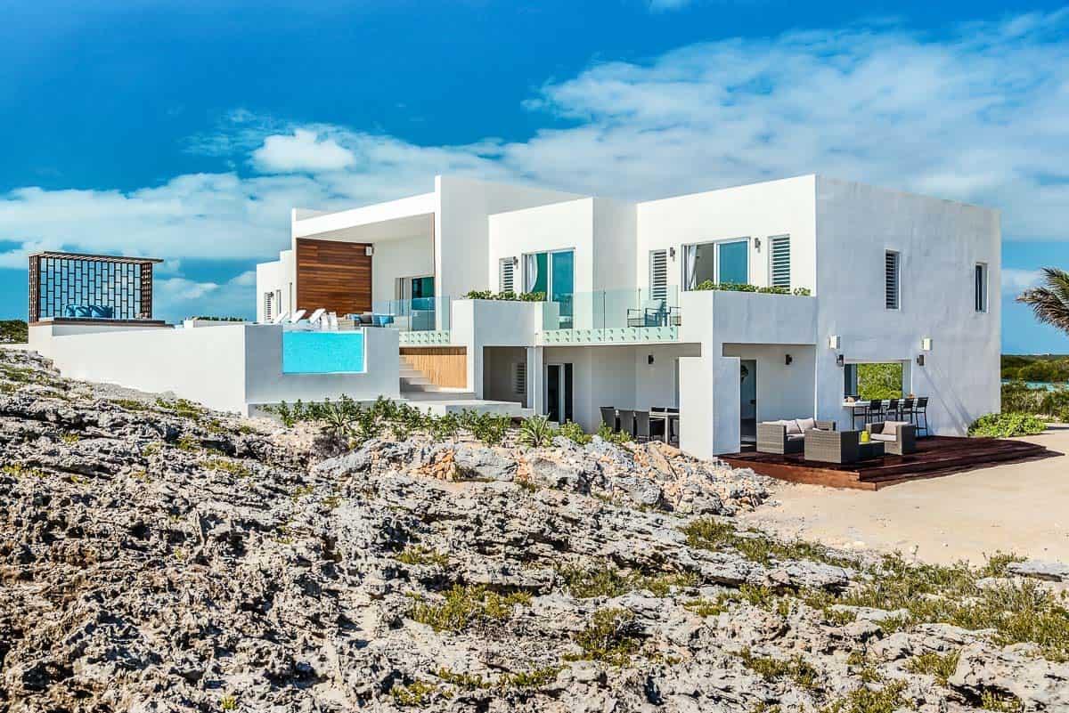 Luxury Vacation Rental Villa-Turks-Caicos-05-1 Kindesign