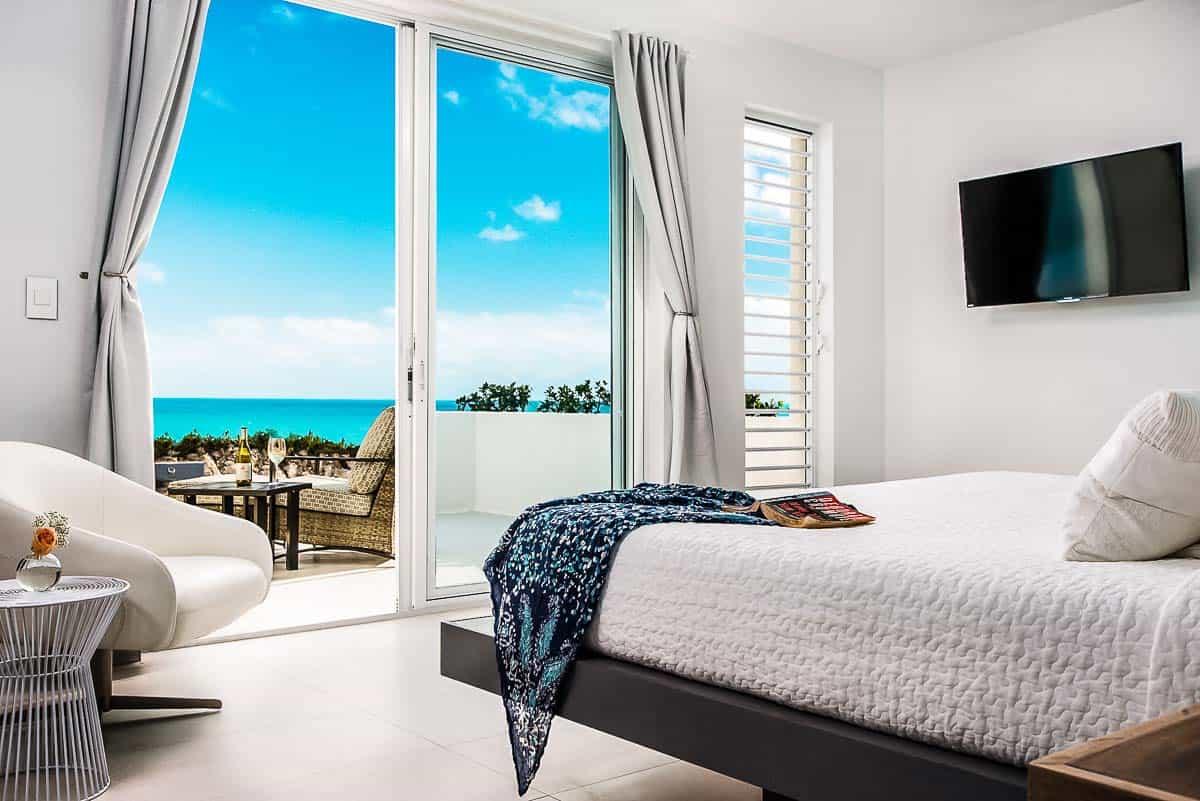 Luxury Vacation Rental Villa-Turks-Caicos-24-1 Kindesign