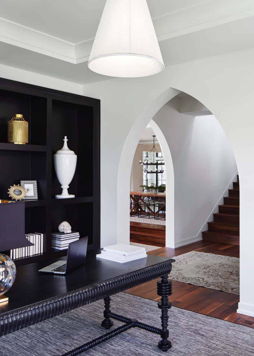 Modern Mediterranean Style Home-16-1 Kindesign