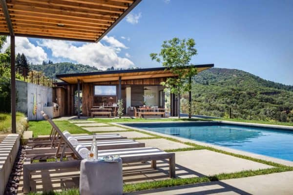 featured posts image for Modern vineyard home in Healdsburg provides spectacular getaway