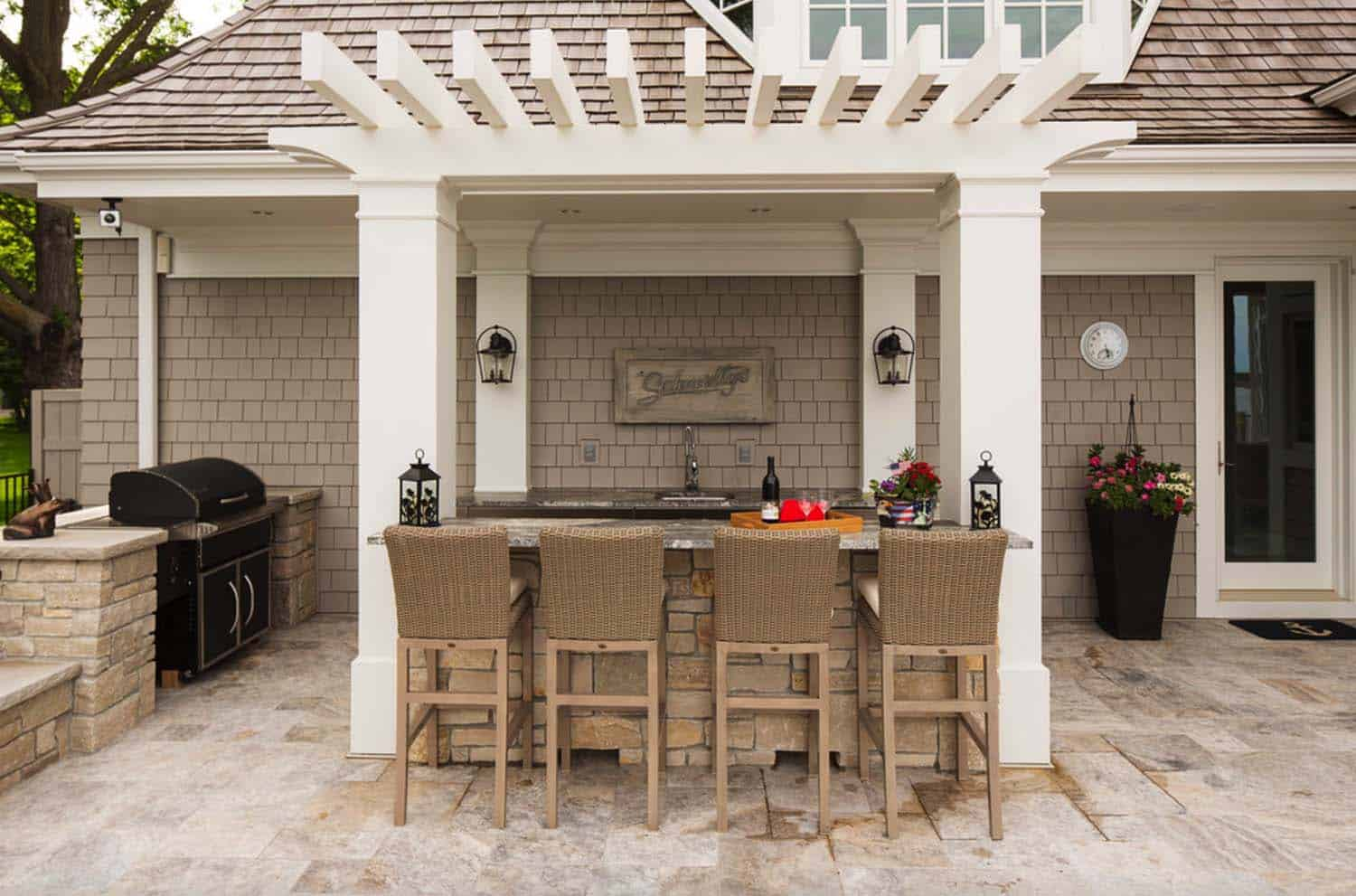 Outdoor Kitchens-Bars Entertaining-05-1 Kindesign.jpg