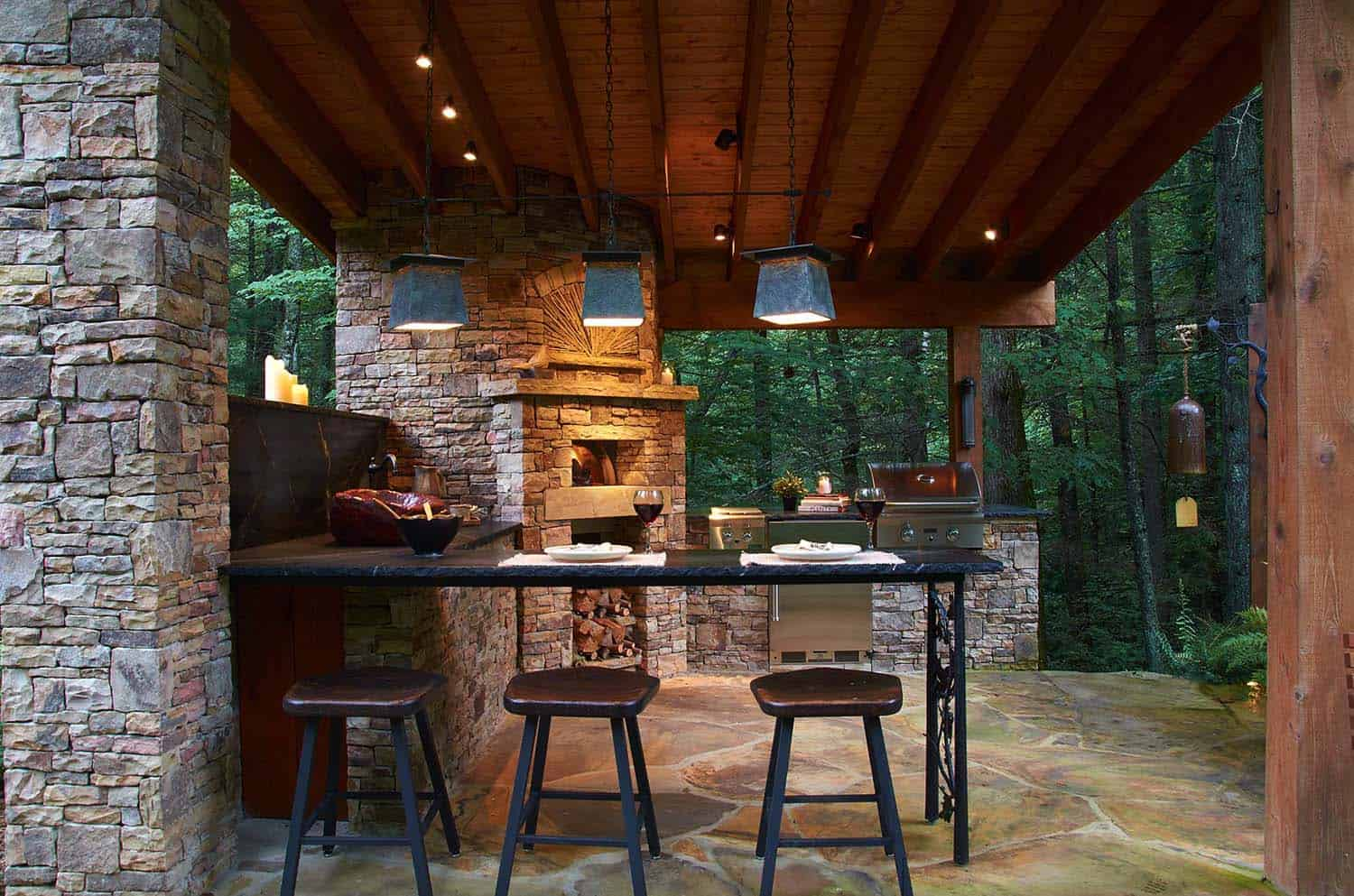 Outdoor Kitchens-Bars Entertaining-12-1 Kindesign.jpg