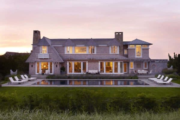 featured posts image for Beachfront hideaway with luxurious yet relaxing atmosphere in Sagaponack
