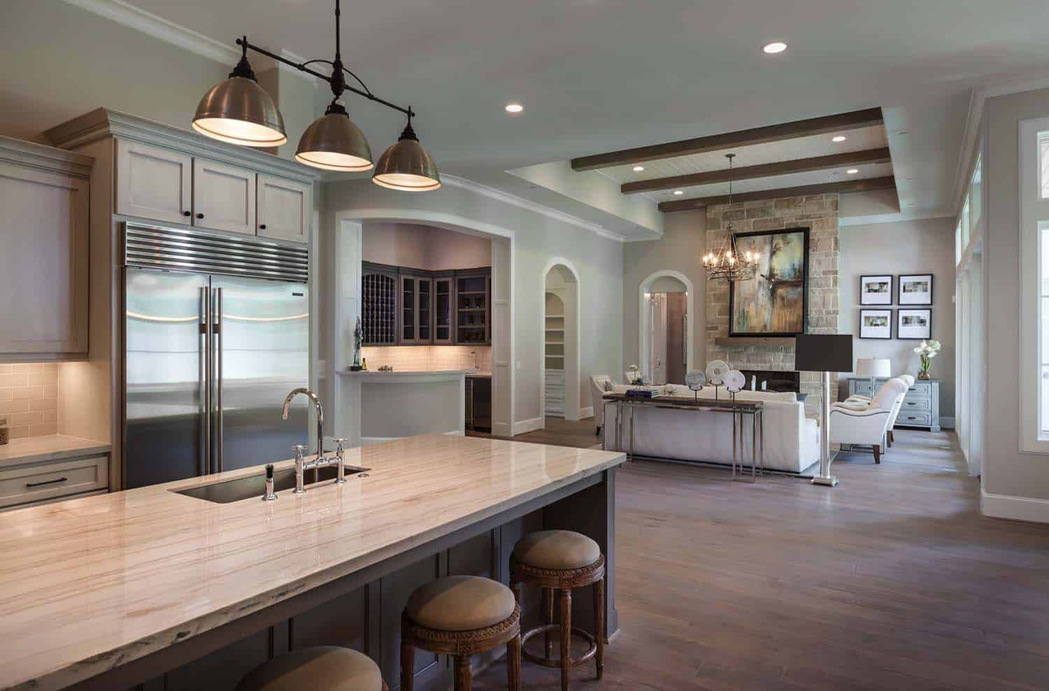 Transitional Style Home-Frankel Building Group-08-1 Kindesign