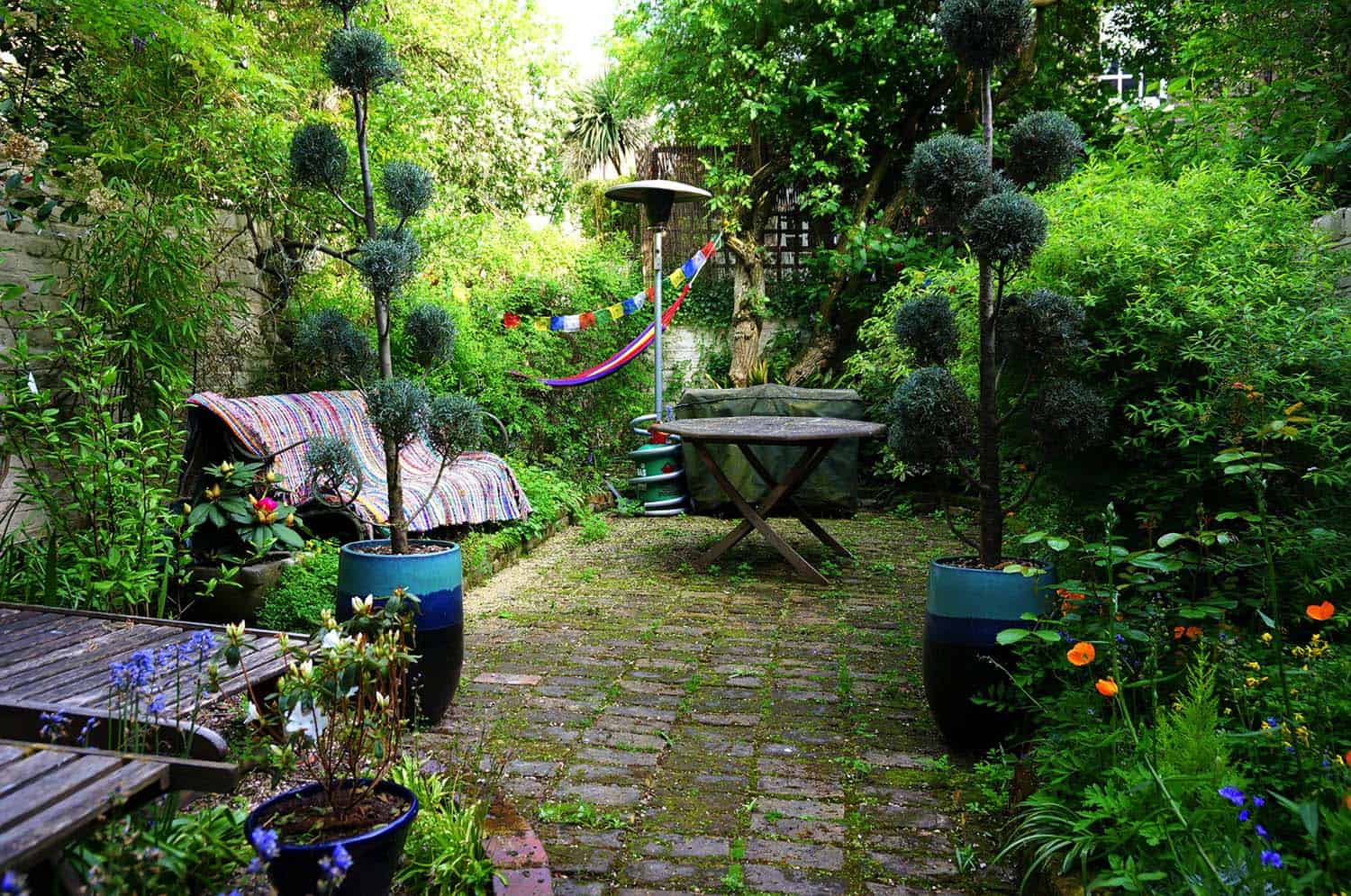 28 absolutely dreamy bohemian garden design ideas for Patio garden accessories