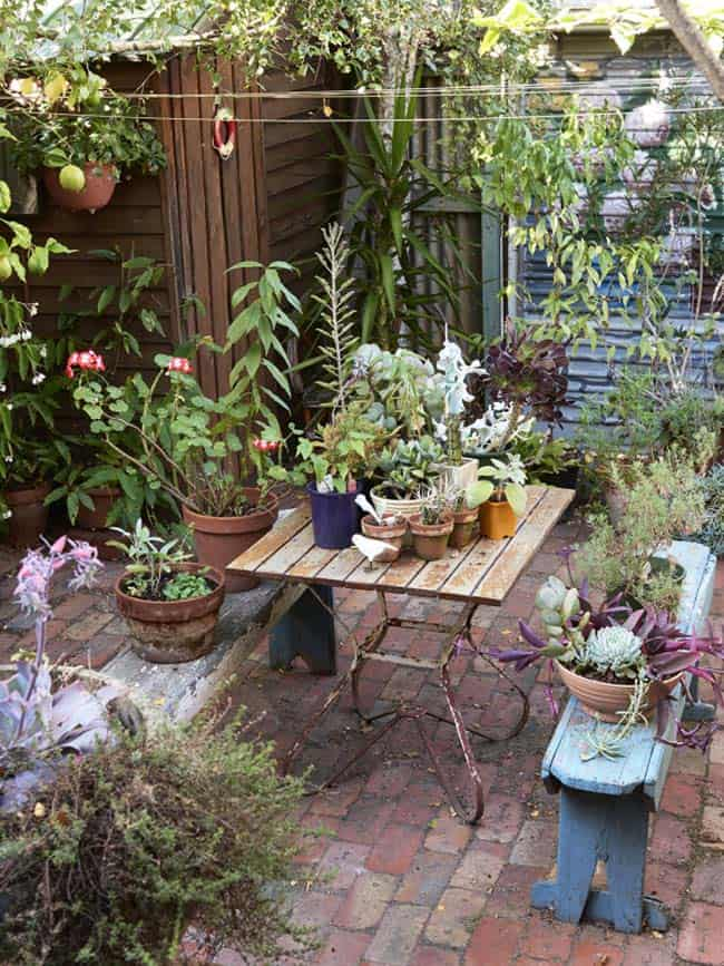 28 Absolutely dreamy Bohemian garden design ideas on Bohemian Patio Ideas id=87493