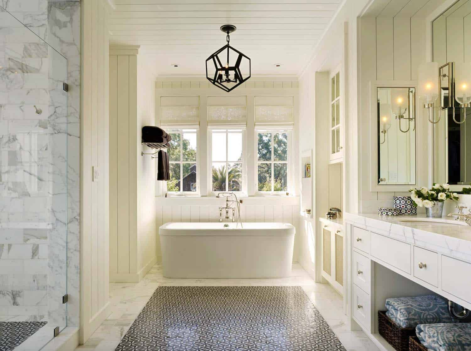 Gorgeous Farmhouse Style Bathrooms-03-1 Kindesign