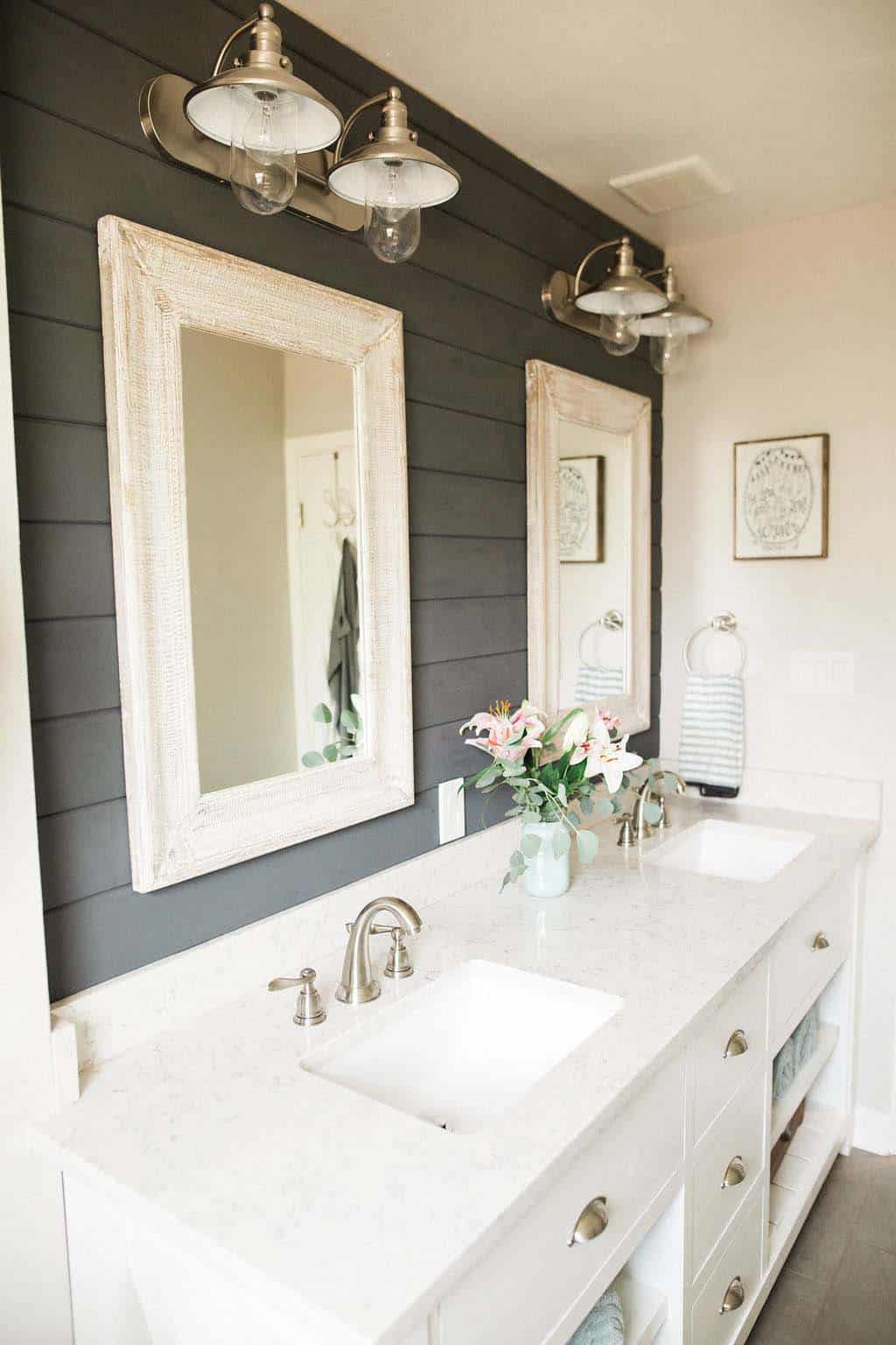 Gorgeous Farmhouse Style Bathrooms-19-1 Kindesign