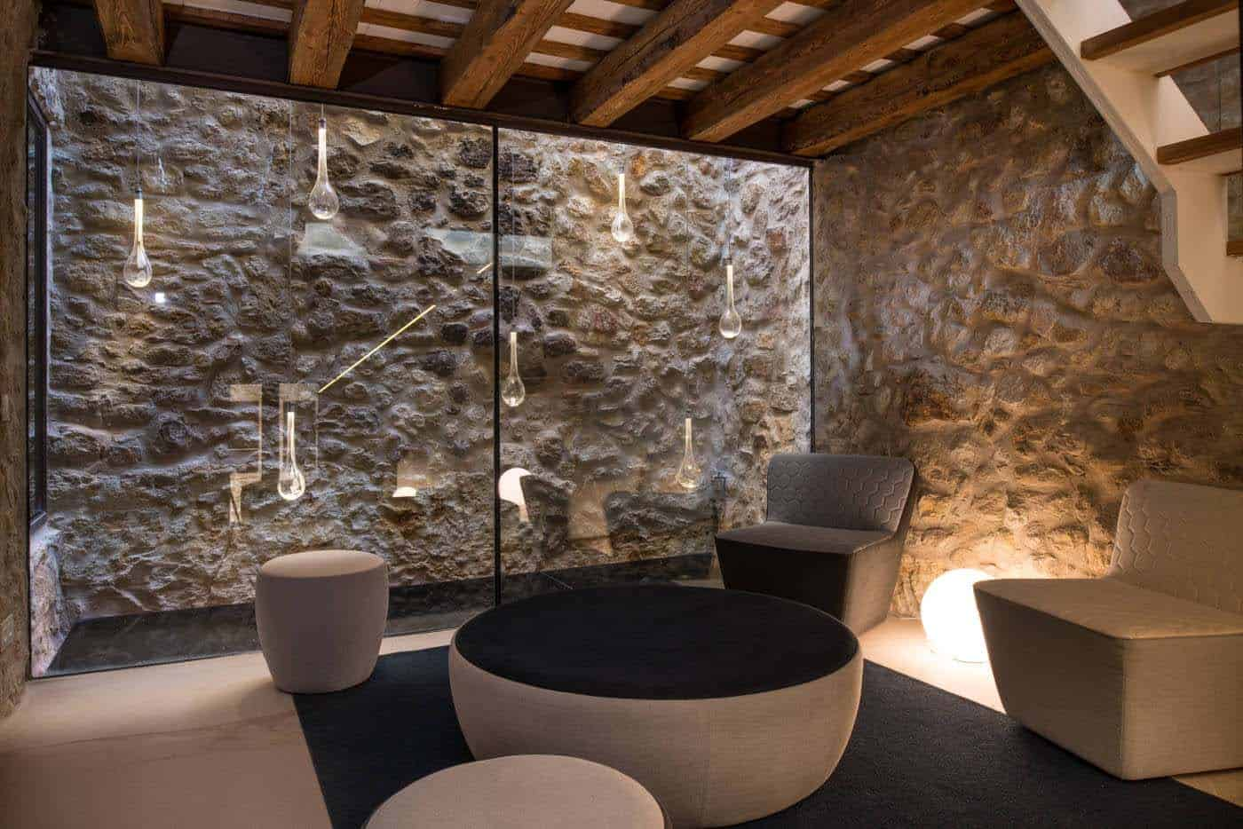 Historic Stone Dwelling-Gloria Duran Torrellas-03-1 Kindesign
