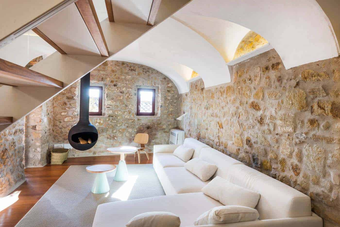 Historic Stone Dwelling-Gloria Duran Torrellas-04-1 Kindesign