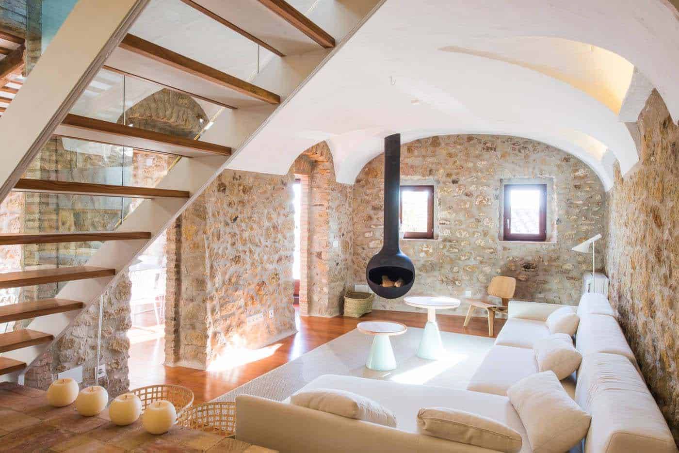 Historic Stone Dwelling-Gloria Duran Torrellas-05-1 Kindesign