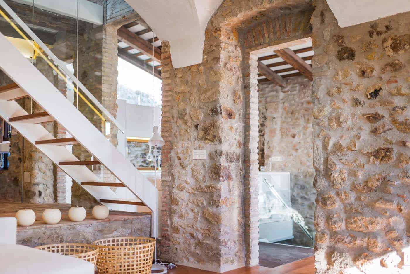 Historic Stone Dwelling-Gloria Duran Torrellas-10-1 Kindesign