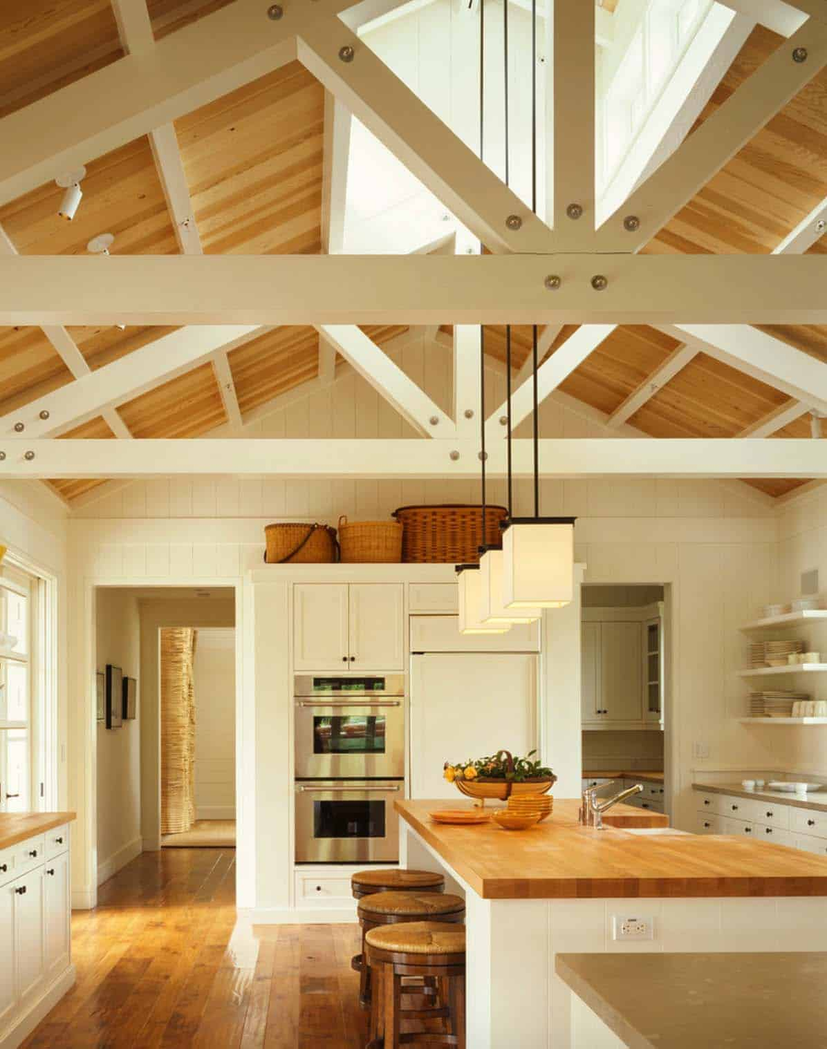 Interior Living Spaces-Exposed Ceiling Trusses-30-1 Kindesign