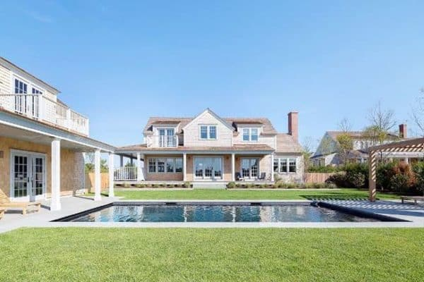 featured posts image for Shingle-style Nantucket beach home infused with nautical touches