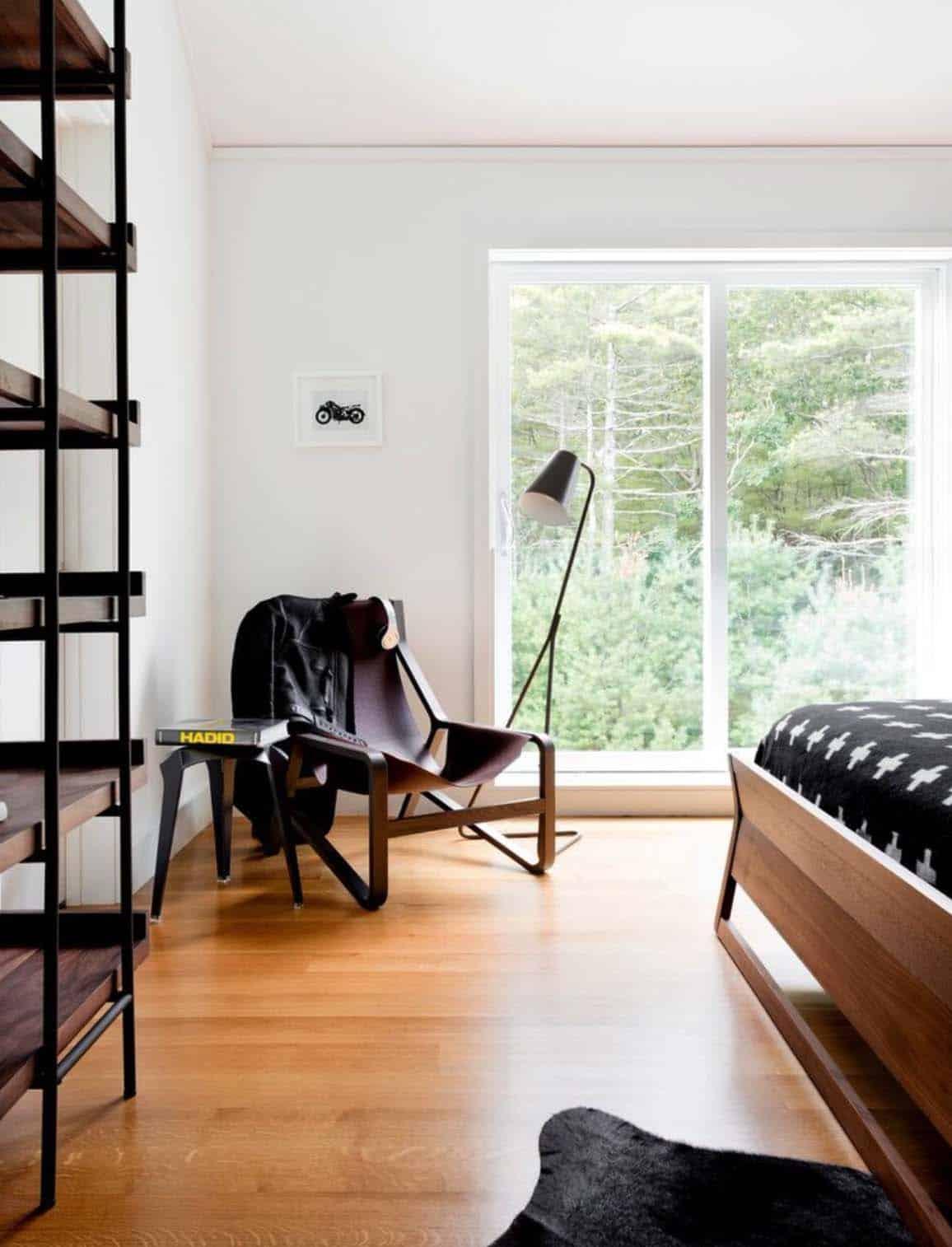 Modern Home East Hampton-Timothy Godbold-17-1 Kindesign