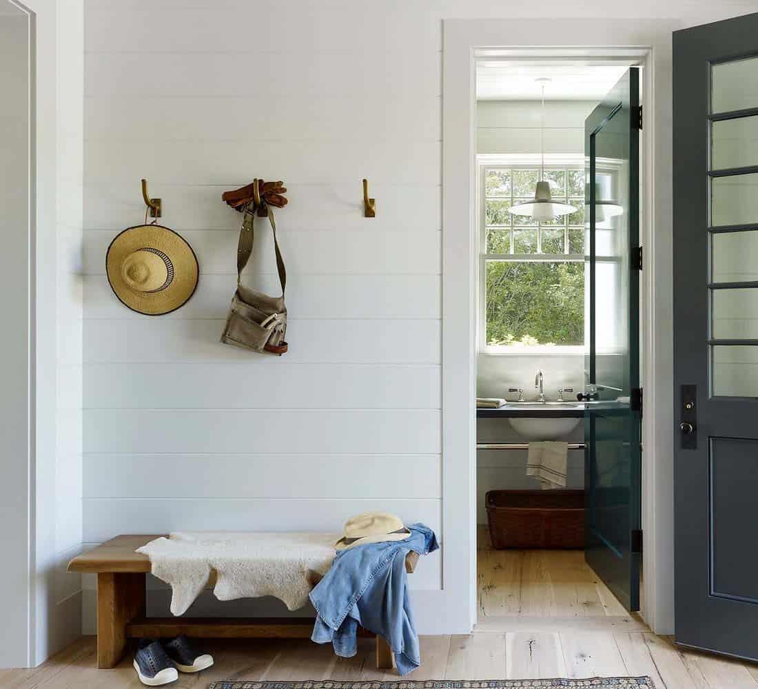 Modern Shingle-Style Home-Dan Scotti Design-06-1 Kindesign
