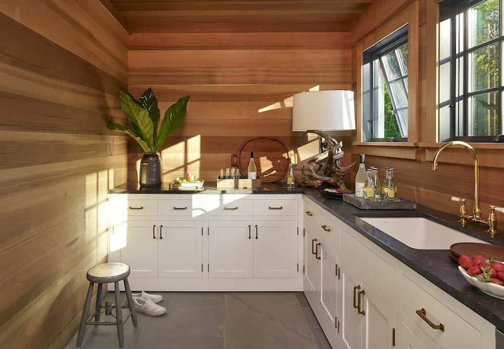 Modern Shingle-Style Home-Dan Scotti Design-16-1 Kindesign