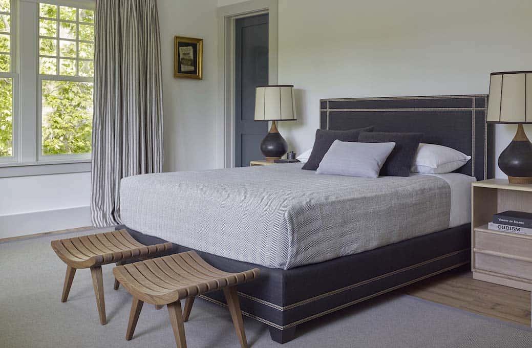 Modern Shingle-Style Home-Dan Scotti Design-22-1 Kindesign