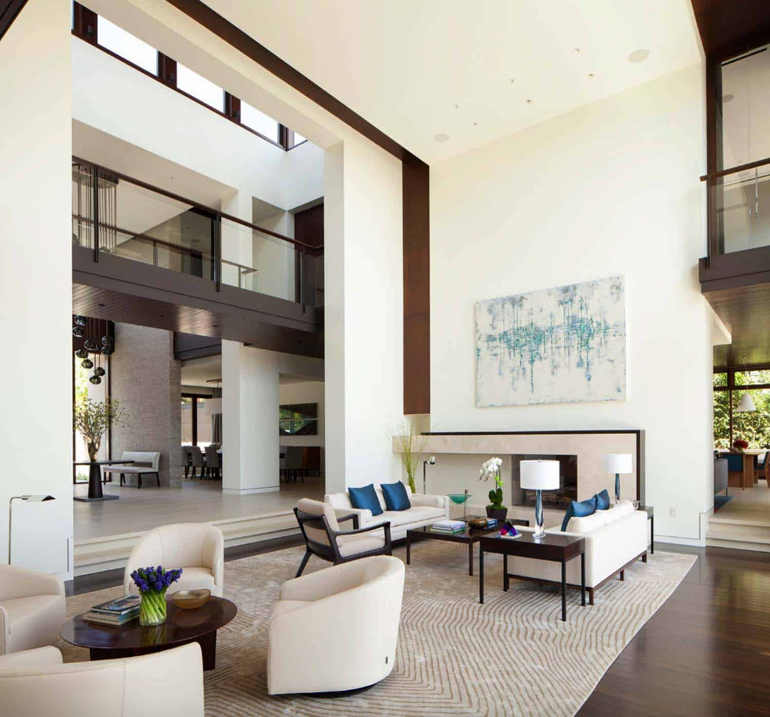 Modern Traditional Dream Home Abramson Teiger Architects 04 1 Kindesign