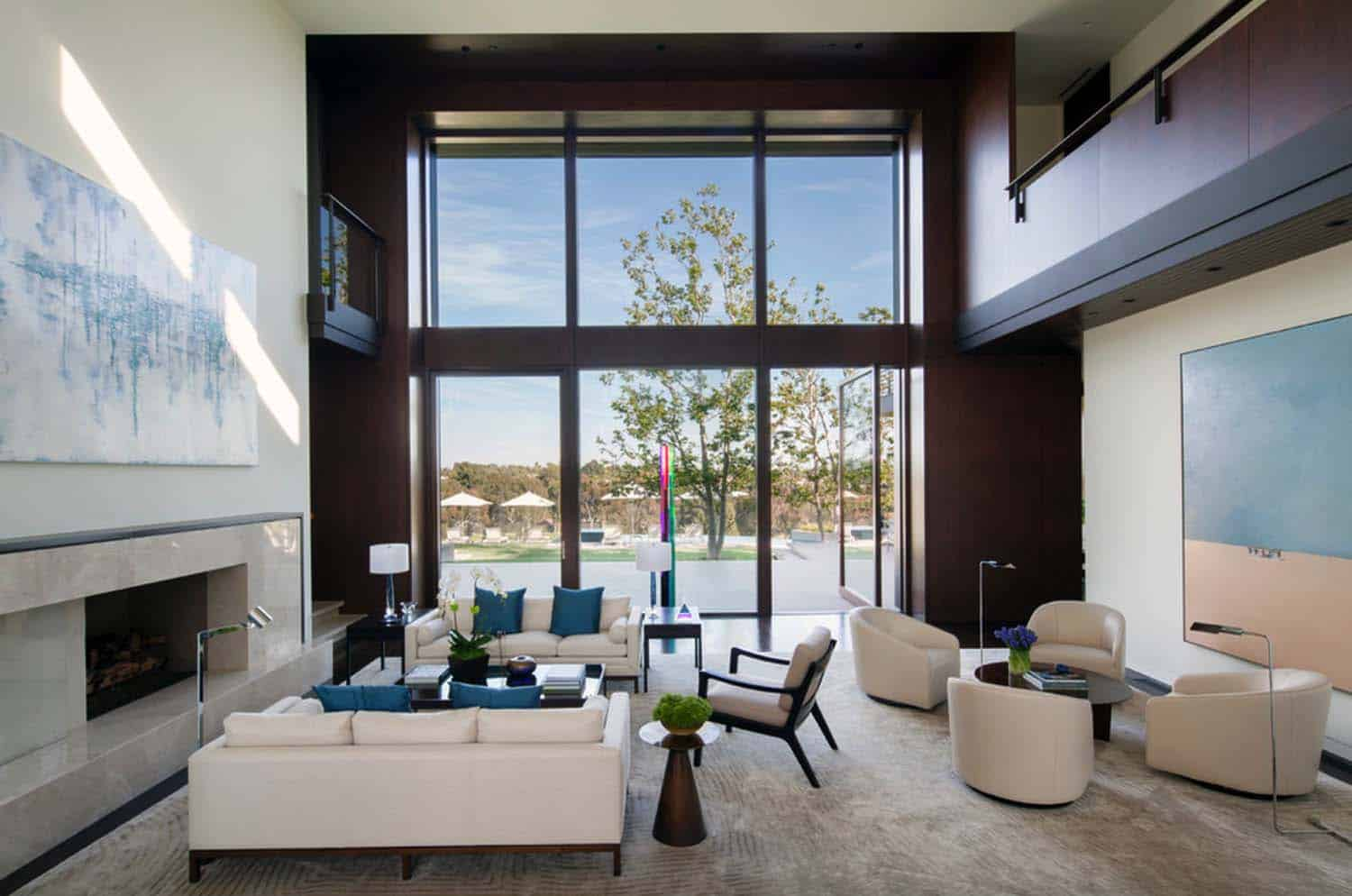 Modern Traditional Dream Home Abramson Teiger Architects 05 1 Kindesign