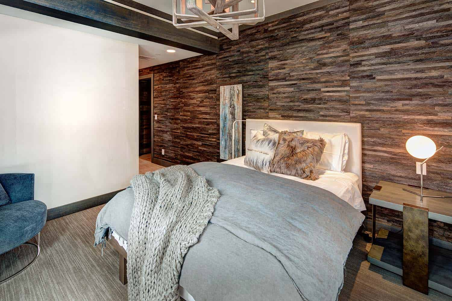 Mountain modern home in park city lets you ski to your door for Mountain modern bedroom