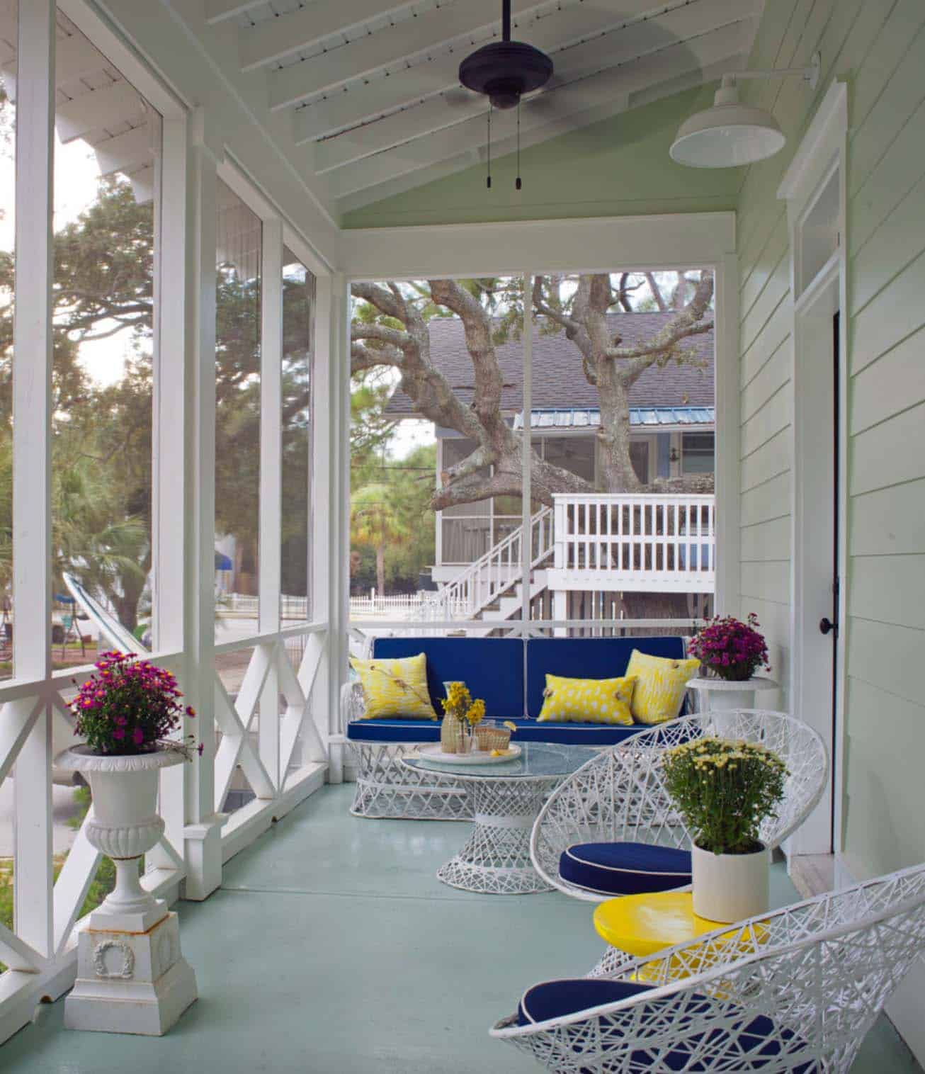 Screened Porch Design Ideas-04-1 Kindesign
