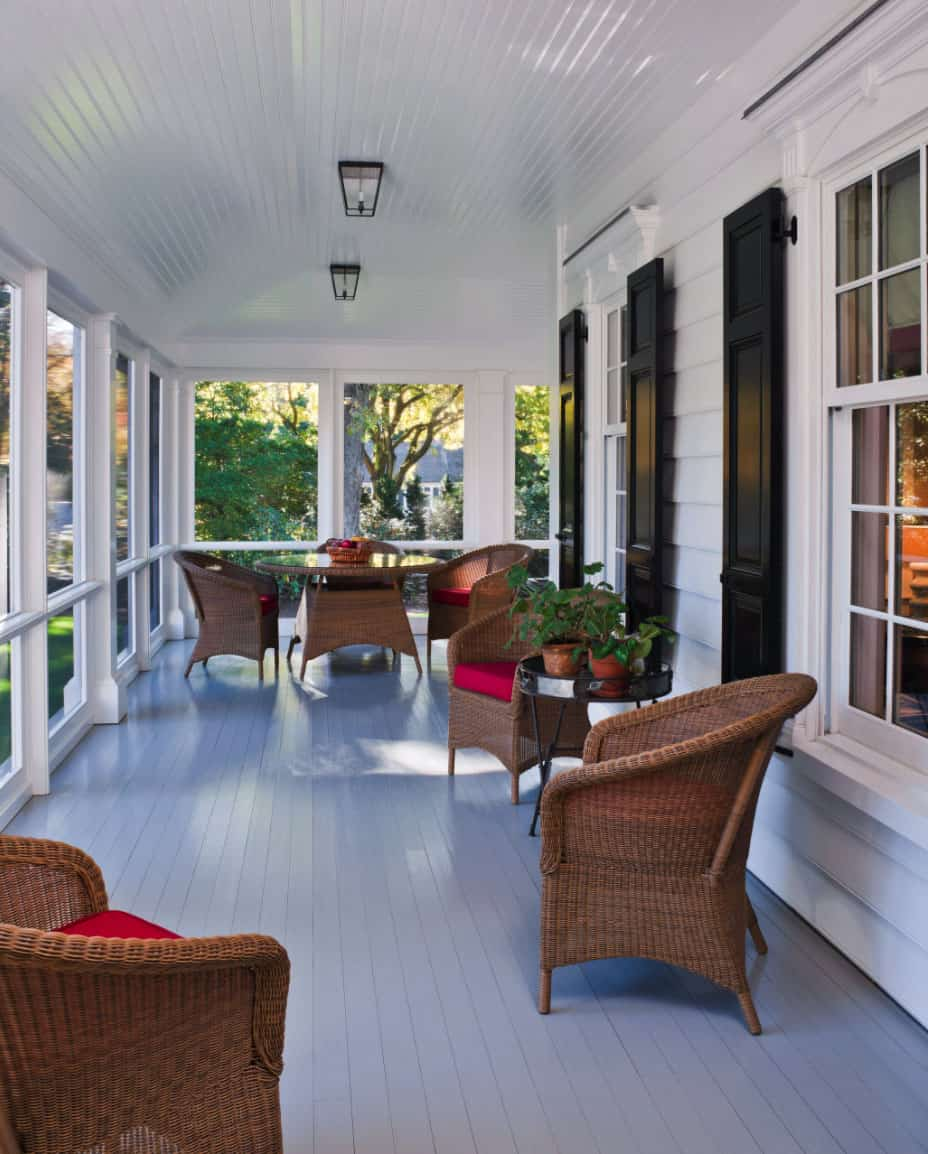 screened-in back porch