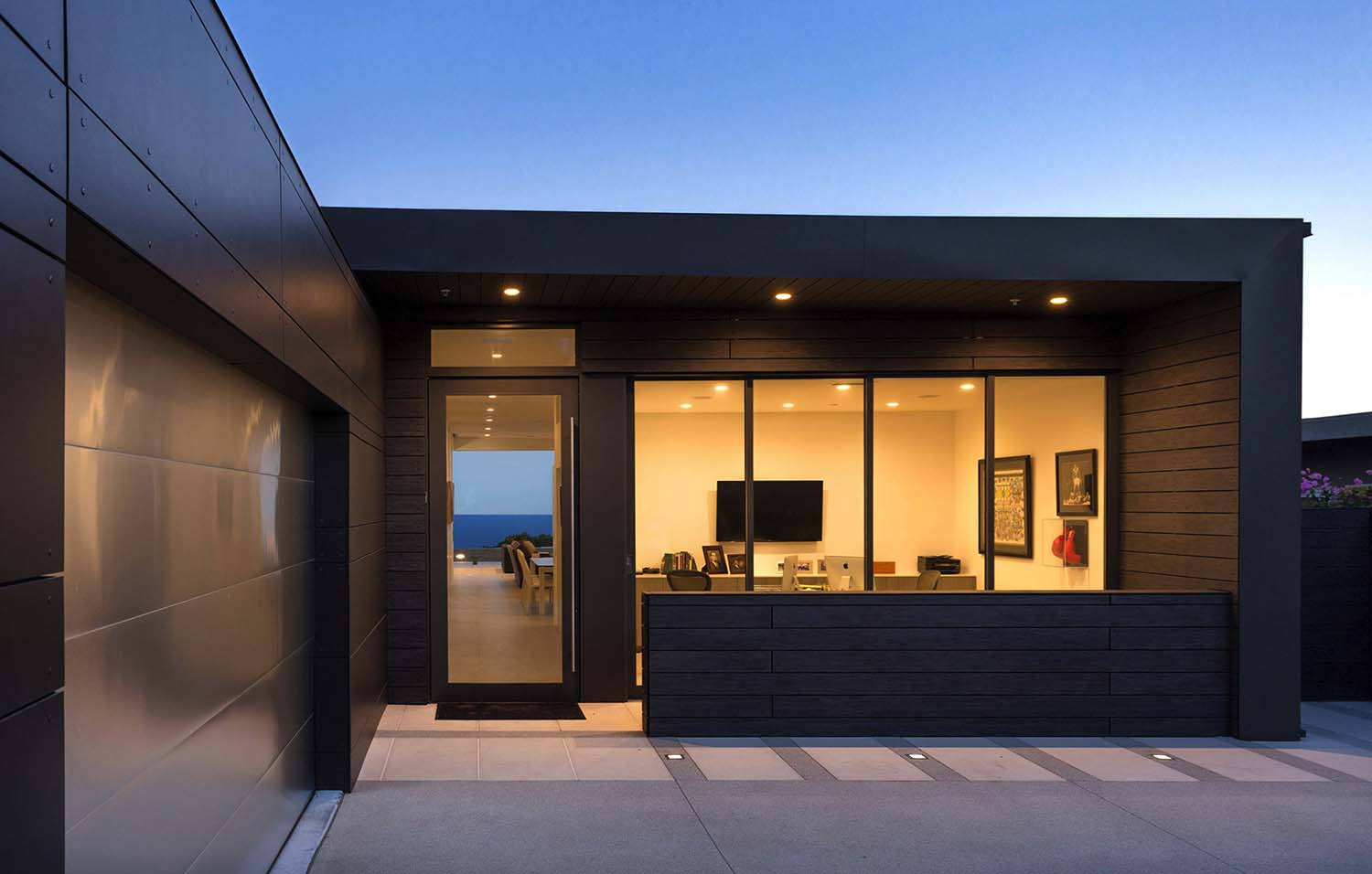Striking Contemporary Home-Abramson Teiger Architects-02-1 Kindesign