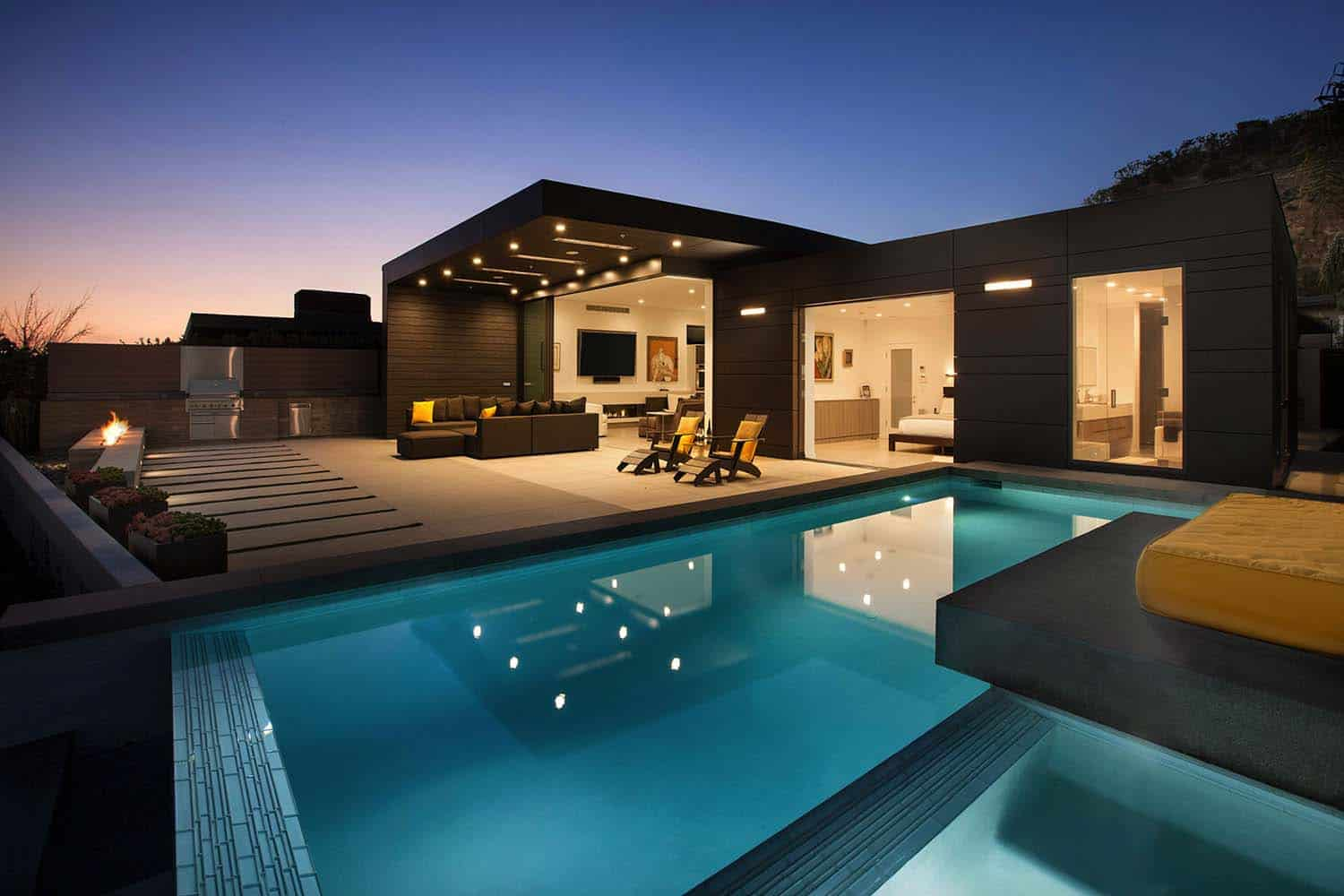 Striking Contemporary Home-Abramson Teiger Architects-03-1 Kindesign