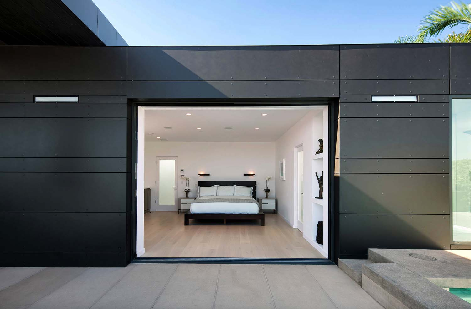 Striking Contemporary Home-Abramson Teiger Architects-10-1 Kindesign