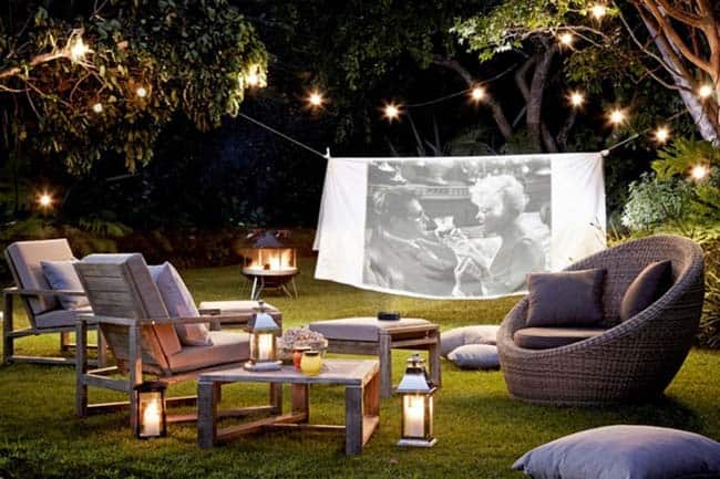 Backyard Movie Theaters-10-1 Kindesign