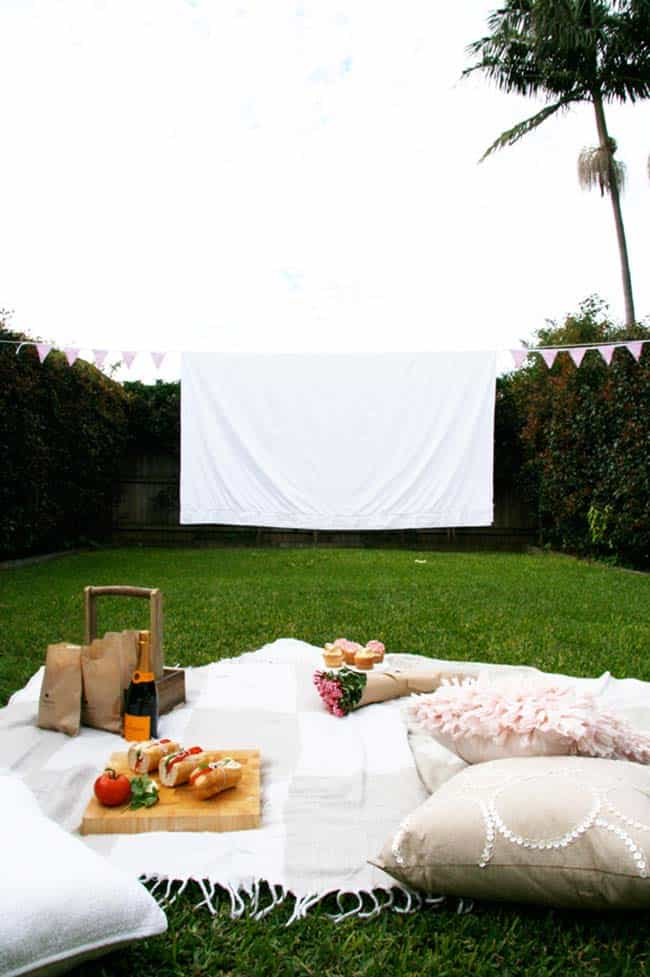 Backyard Movie Theaters-13-1 Kindesign