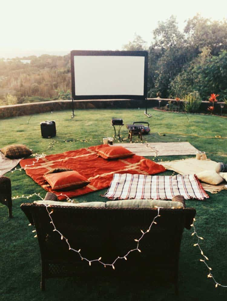 Backyard Movie Theaters-16-1 Kindesign