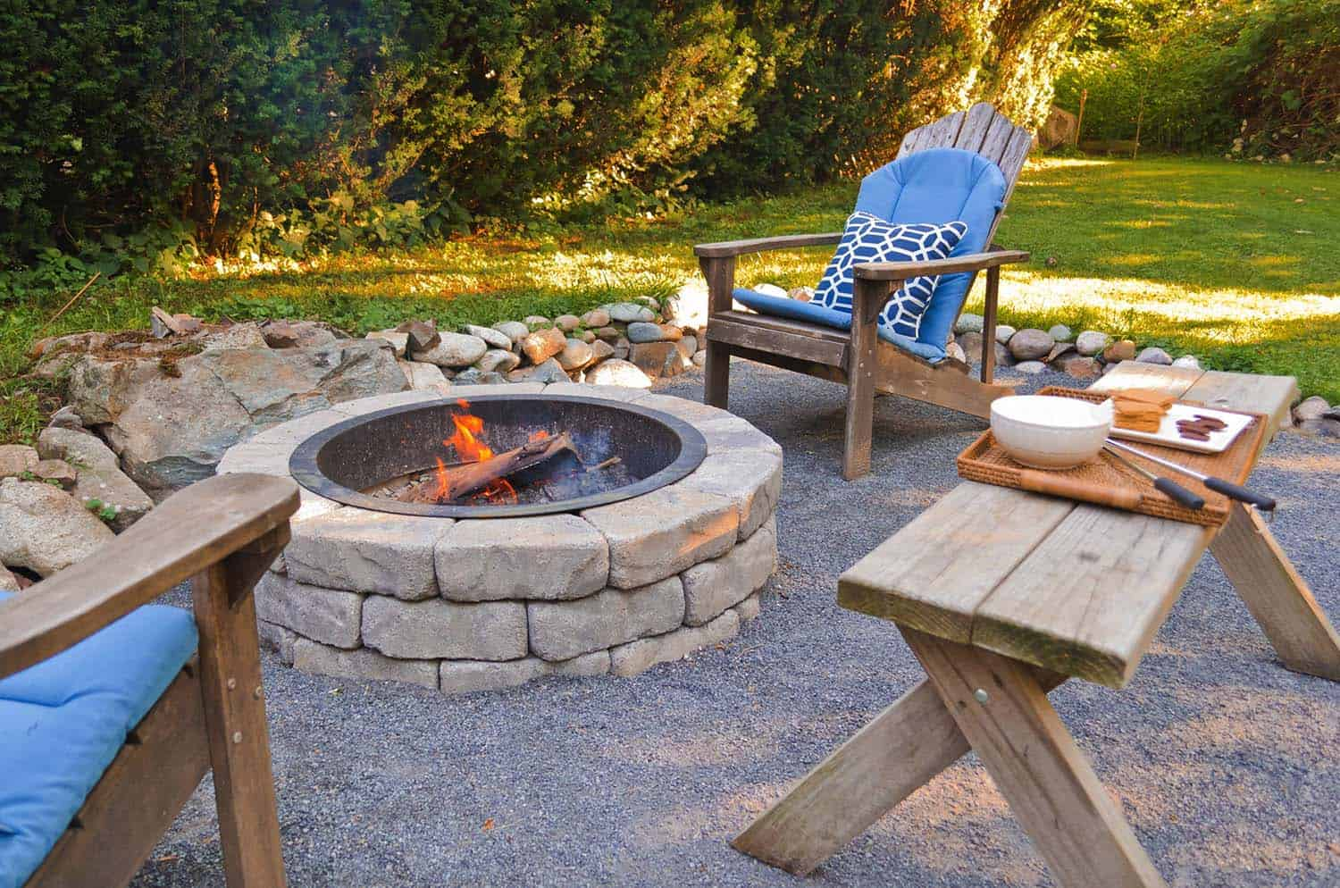 Cozy Backyard Retreats-08-1 Kindesign