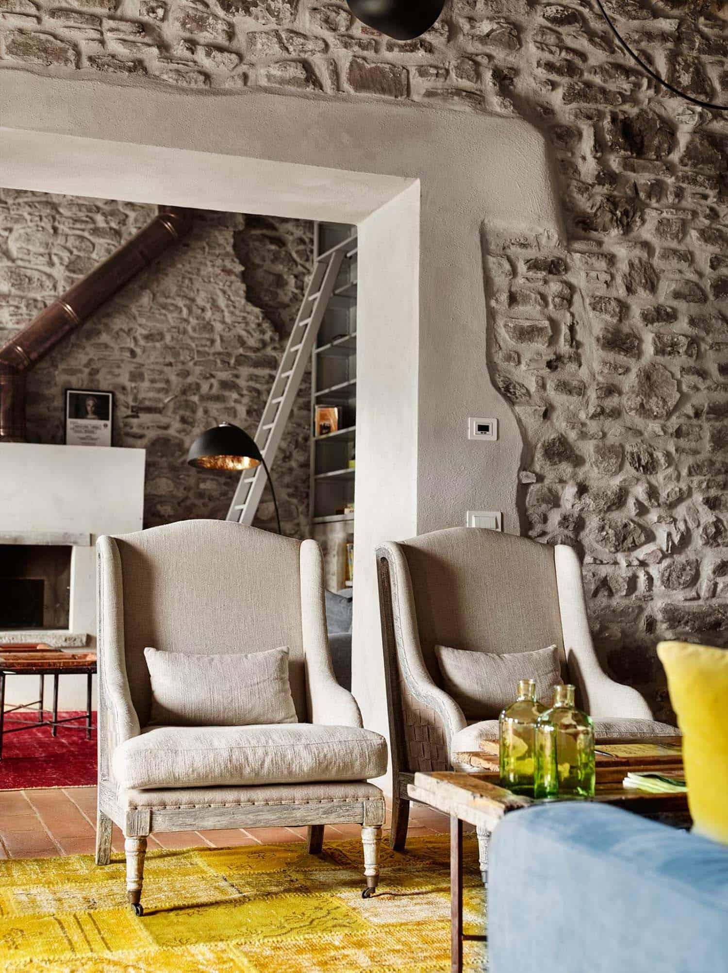 Historic Farmhouse Renovation-Special Umbria-02-1 Kindesign